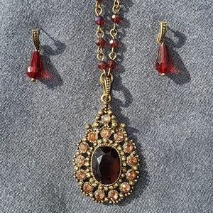 Avon Topaz necklace set NIB 💜